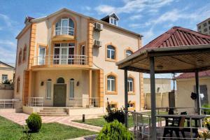 Almond Luxury - Baku