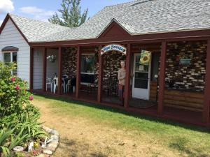 Rose Cottage Bed&Breakfast - Accommodation - Valemount