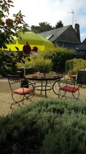 Le Domaine de Saint-Thomin, Bed & Breakfasts  Nostang - big - 57