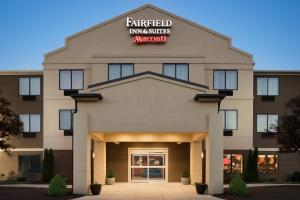 Fairfield Inn & Suites Hartford Manchester, Hotels - Manchester