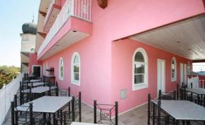Friedhelm's Bavarian Inn Texas Suite Home, Prázdninové domy  Fredericksburg - big - 6