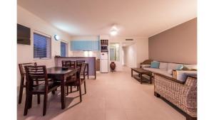 2522 Blue Horizons - Airlie Beach, Apartmanok  Airlie Beach - big - 15