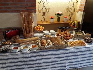 B&B Domaine de La Corbe, Bed and breakfasts  Bournezeau - big - 1