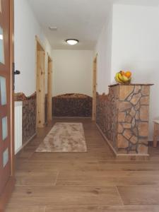 Guesthouse Green Valley, Affittacamere  Jezerce - big - 44