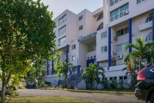 The Dorchester Suites at New Kingston - Cross Roads