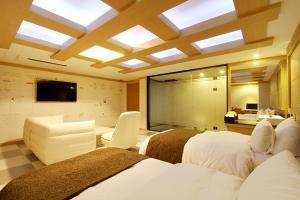 Suwon Orsay Business Hotel, Hotely  Suwon - big - 82