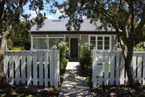 Jellicoe Cottage, Holiday homes  Greytown - big - 1