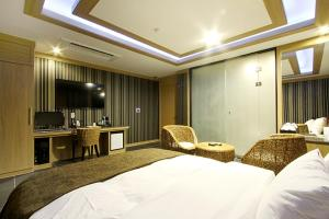 Suwon Orsay Business Hotel, Hotely  Suwon - big - 92