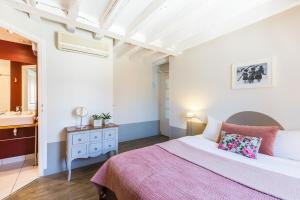 h tel l 39 adresse tours france j2ski. Black Bedroom Furniture Sets. Home Design Ideas