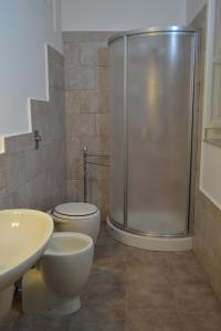 Deluxe Room (2 Adults + 1 Child) with Private External Bathroom