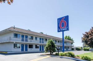 Motel 6-Centralia, WA