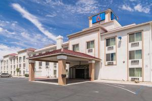 Motel 6 Hesperia CA West Main St I 15