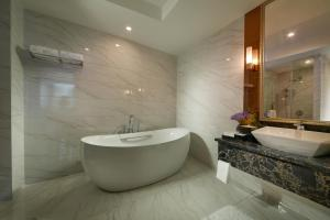 New Century Hotel Putuo Mountain, Hotel  Zhoushan - big - 26