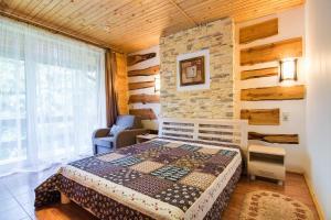 Pid Khomiakom - Hotel - Tatariv