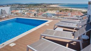 Topcity Hostel & Suites