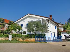 Apartment in Novigrad 6