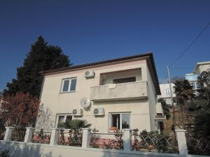 One-Bedroom Apartment in Rijeka I, Apartmány - Turan