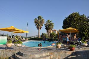 Ariadnes Holiday Accommodation II