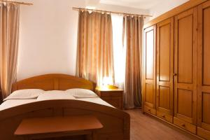 Accommodation in Campina