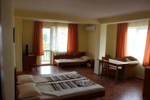 Zlatna Ribka, Hotely  Černomorec - big - 9