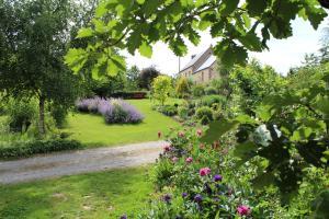 Location gîte, chambres d'hotes Au Jardin Des Violettes dans le département Orne 61