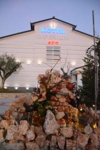 Imperium Hotel - Priska e Madhe