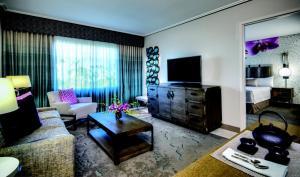 Loews Royal Pacific Resort (8 of 42)