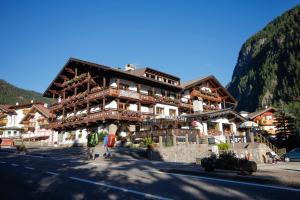 Hotel Alpi - Campitello di Fassa