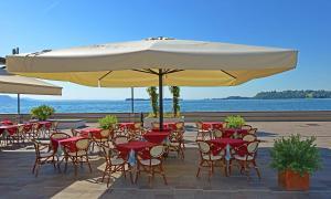 Du Lac, Hotel  Gardone Riviera - big - 29