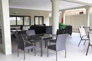 Hotel Mirambeau, Отели  Ломе - big - 25