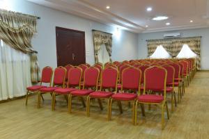 Hotel Mirambeau, Отели  Ломе - big - 23