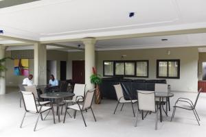 Hotel Mirambeau, Отели  Ломе - big - 12