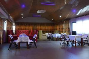 Hotel Mirambeau, Отели  Ломе - big - 10