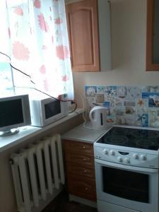 Apartment on Polyarnaya 4, Ferienwohnungen  Severomorsk - big - 13