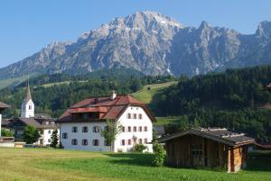 Ansitz Wirtsgut - Familienappartements in den Bergen