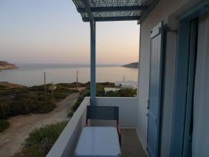 Oliaros seaside lodge Antiparos Greece