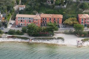 Hotel Residence Sirenella - AbcAlberghi.com