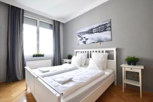 Creative Apartment - Lovag Street Luxury Suite