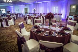 Best Western Plus Steeplegate Inn, Hotels  Davenport - big - 11