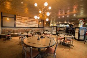 Best Western Plus Steeplegate Inn, Hotels  Davenport - big - 14