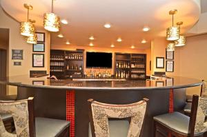Best Western Premier Crown Chase Inn & Suites, Hotels  Denton - big - 133