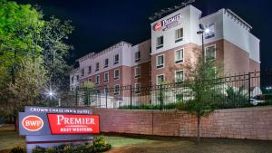 Best Western Premier Crown Chase Inn & Suites, Hotels  Denton - big - 148