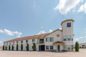 Motel 6-Hutchins, TX - Hotel - Hutchins