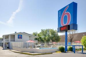 Motel 6-Lakewood, CO - Denver
