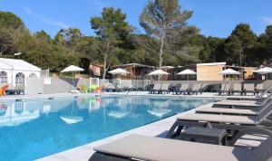 """Location gîte, chambres d'hotes VVF Villages """"Le Clos des Cigales"""" Montagnac Méditerranée dans le département Hérault 34"""