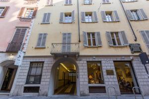 One-Bedroom Apartment - Via Borgospesso 12