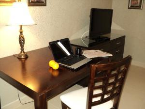 Montecassino Hotel & Suites.  Photo 18