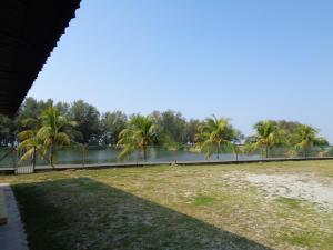 pantai sri tujuh resort - Kampong Tanyong Bale