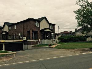 Luxury Two Story Villa Unit C - Apartment - Laval