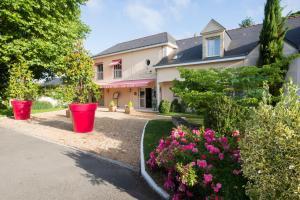 Location gîte, chambres d'hotes Logis Auberge Bienvenue dans le département Maine et Loire 49